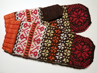Royal_icing_mitts_small2