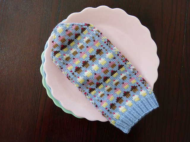 Cupcake Mittens by SpillyJane