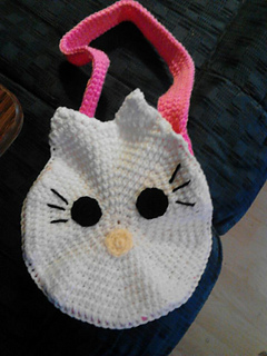 Hello_kitty_purse_with_hot_pink_strap_small2