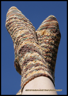 Ndizi_socks_-_finished_small2