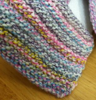 Knit_scarf_close_up_small2