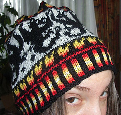 Dragonfight_beanie3_small