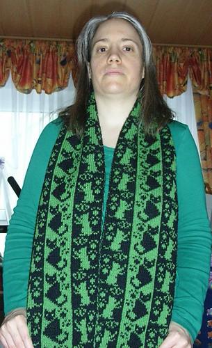 Cat_scarf11_medium