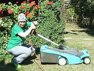 Mowing_the_lawn_beanie_publish12_small2