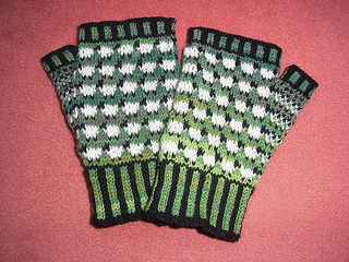 Sheep_mitts1_small2