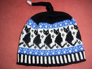Black_cats_beanie1_small2