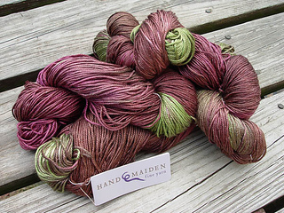 Silk_sweater_yarn_small2