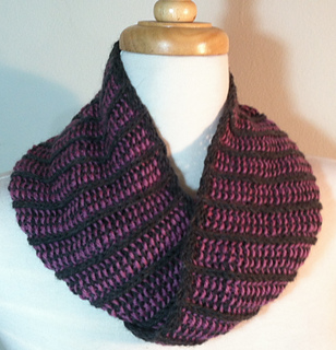 Birthday_cowl_wrapped_2_small2