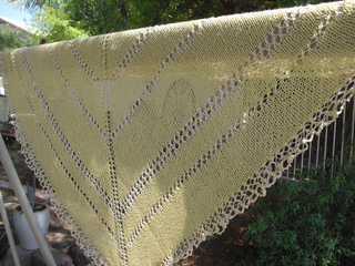 2012-07_chris_simple_spinners_shawl__4__small2