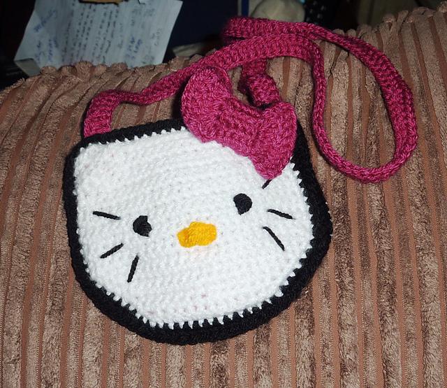 Free Crochet Patterns Hello Kitty Purse : Master of a Thousand Things: Hello Kitty Purse