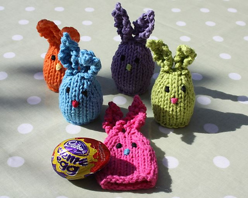 Huggie Bunnies free knitting pattern knit easter finger puppet totoro rabbit