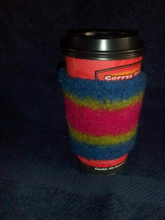 Cup_cozy_after_felting_small2