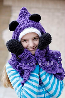 Hooded_bear_small2