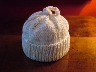 Umbilical_cord_hat_small2