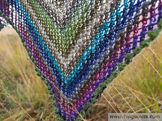 Hand-knitted-noro-silk-garden-shawl-pattern-003_small2