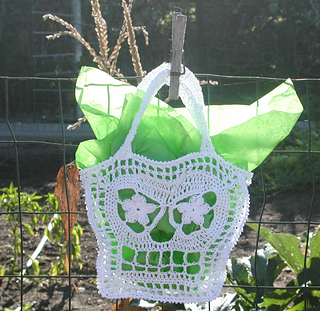 Upscale_trick_or_treat_bag_001_small2
