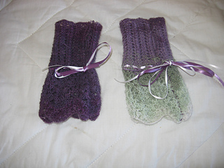 Lacy_mitts_small2