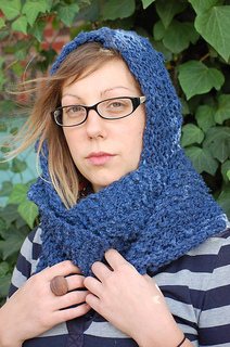 Cashmere_hooded_scarf_small2