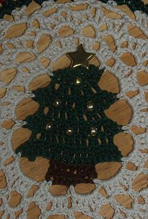Christmastreesdoily_12-31-2004_11-00-013_small2
