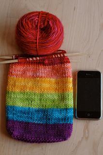 Iphone_purse_rainbow3_small2