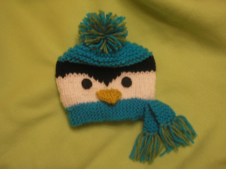 Penguin_hat_2011_015_small2