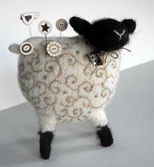 Woolly_sheep-4_small