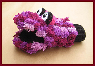 Monster_mitten_pompadoodle_small2