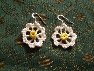 Daisy_daisy_earrings__2__small2