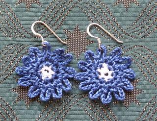 Bonny_blue_earrings__2__small2