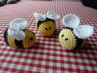 Secret_bees__3__small2