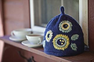 Kw_anemone_tea_cozy_small2