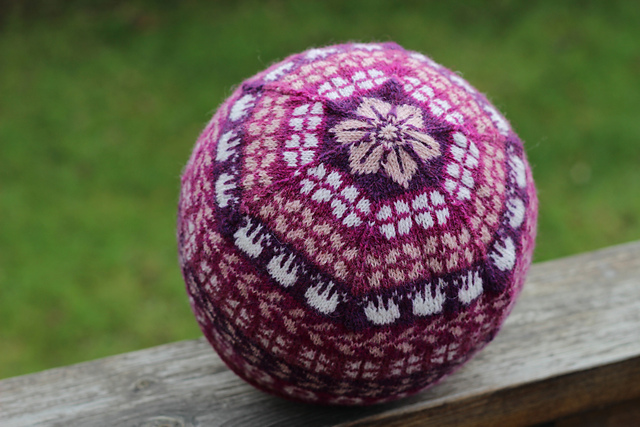 http://www.ravelry.com/projects/wastzmo/mysteriemossa-nordic-knitting
